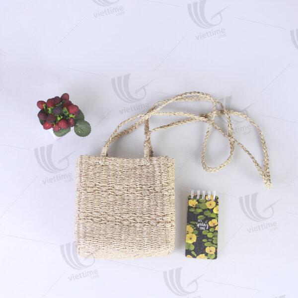 Seagrass Handbag sku C00381