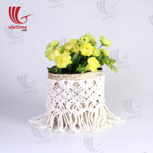 Seagrass Basket With Cream Fabric Macrame